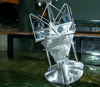 Experimentation on deep water excavation dynamics