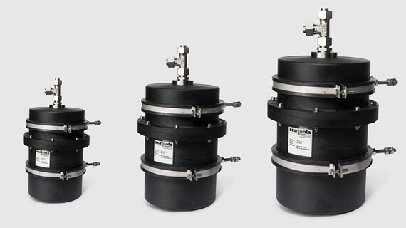 Basic series subsea hydraulic compensators