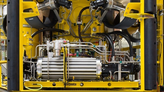 Delivery of fully fledged subsea hydraulic systems