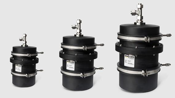 Basic series subsea hydraulic compensators