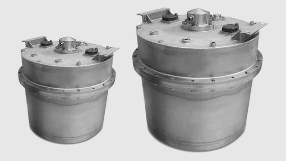 Heavy duty series subsea hydraulic compensators