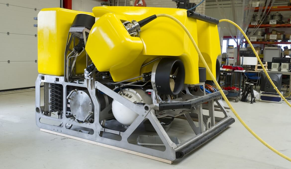 The free-flying survey ROV is able to (un)dock itself fully automatically