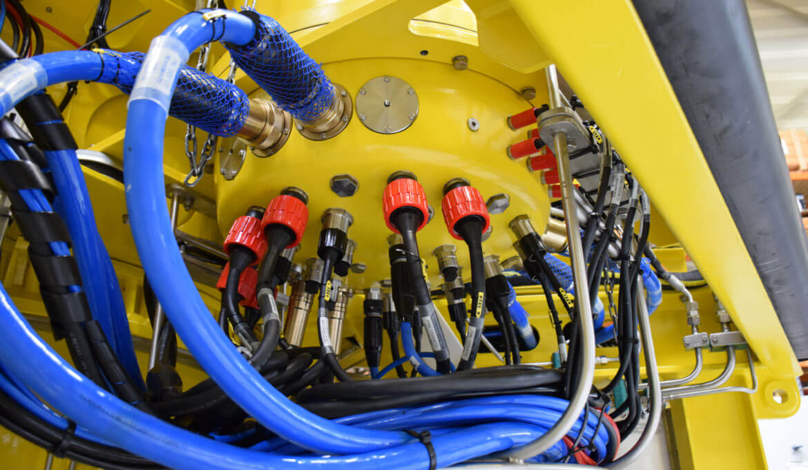 ROV electronics pod connections