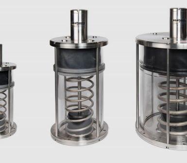 Advanced series underwater hydraulic compensators