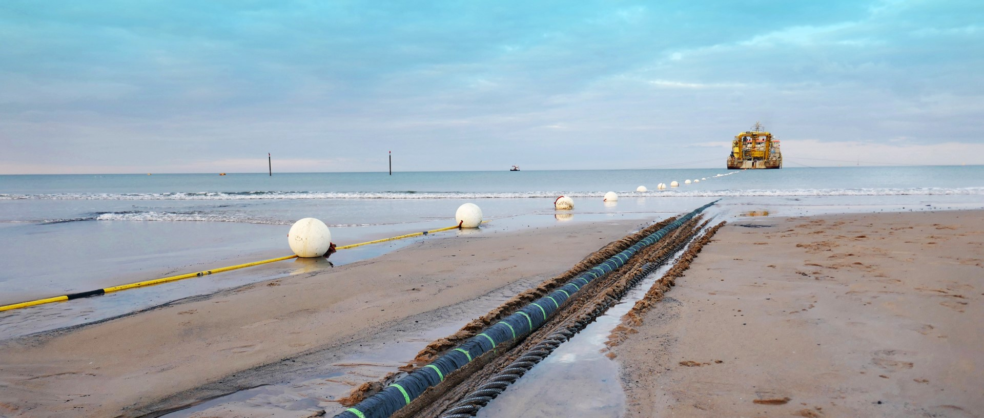 Subsea cable installation track monitoring and registration plough